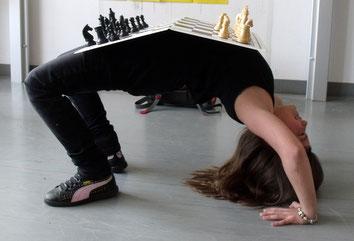 Katarina ist nicht nur eine gute Schachspielerin, sondern auch eine hervorragende Turnerin