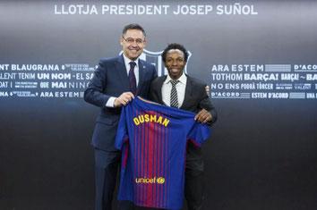 """""""Quan miro aquesta foto em sembla un somni. Recordo el noi que va arribar de l'Àfrica i que només va saber dir «Barça» quan li van preguntar on volia viure."""""""