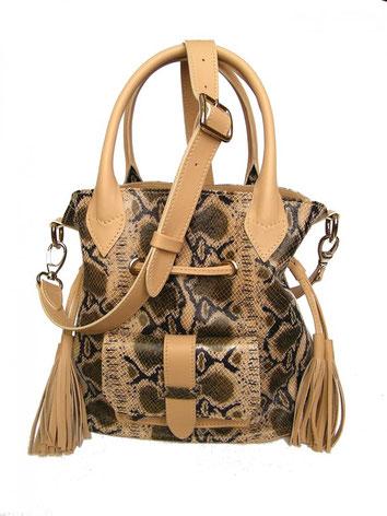 sac seau ou bourse en cuir façon serpent et bandoulière fabriqué par un artisan maroquinier