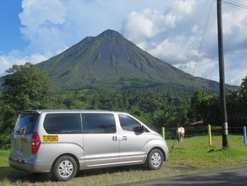 Transporte Colectivo desde su hotel en La Fortuna hacia el Volcán Arenal