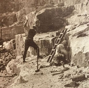 Ouvriers carriers dans une carrière, vers 1920