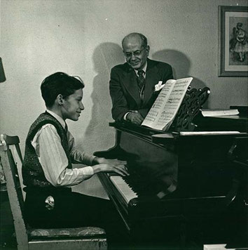 Glenn Gould et Alberto Guerrero vers 1945. Source : Wikipedia.org / Domaine public.
