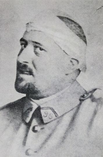 Photographie de Guillaume Apollinaire, printemps 1916. Source : Wikipedia, Domaine public.