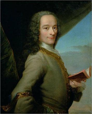 Maurice Quentin de La Tour, Portrait de Voltaire (c. 1737, musée Antoine Lécuyer). Domaine public / Wikpedia.org