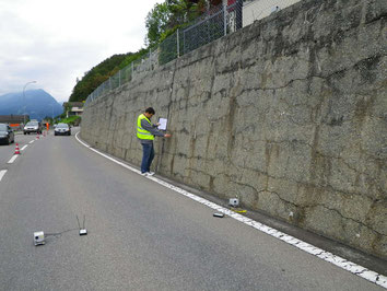 Non-destrctive measurements on a retaining wall