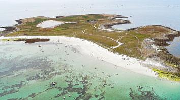 Gwenn-Aël Bolloré invitera tous les auteurs sur son île du Loc'h dans l'archipel des Glénan pour un pique-nique géant... © Le Télégramme