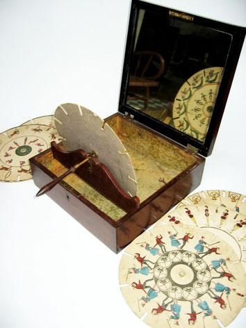 Fenaquistiscopio. Fuente: www.collectorsweekly.com