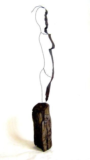 Acier et fil de fer sur socle en genèvrier - 2008   80 x 20 x 20 Collection privée