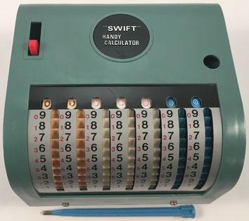 SWIFT Handy Calculator No 163, fabricada por Swift Business Machines Corp. (Hong Kong),  año 1960, 14x13x9 cm