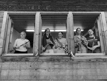 Klarinetten: Sara Elsener, Susanne Burger, Keller Flurina Trummer, Johanna Gächter, Noelle Kummer