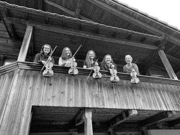 Violinen: Joelle Holliger, Nita Istrefi, Anja Pieren, Rahel Burger, Judith Keller