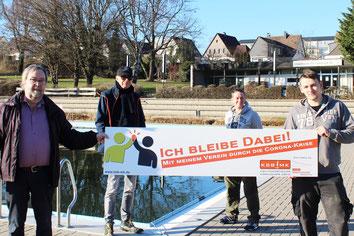 v.l. Paul Michels (Schatzmeister), Rüdiger Schilling (Vorsitzender), Sandra Dickel (Schwimmmeisterin), Tobias Fischer (Schwimmmeister) Alle Schwimmverein I95