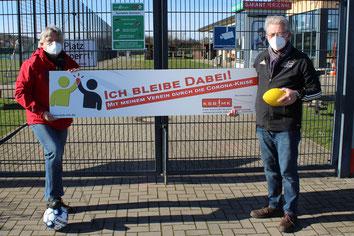 v.l. Horst Reimann (Vorsitzender Fußballkreis Iserlohn), Günther Nülle (KSB MK)