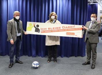 v.l. Günther Nülle (KSB MK), Anja Esser (KSB MK), Marco Voge (Landrat Märkischer Kreis)