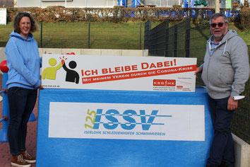 v.l. Stephanie Hennecke (1. Vorsitzende Iserlohn Schleddenhofer Schwimmverein), Rainer Bormann (2. Vorsitzender ISSV)
