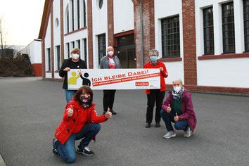 vorn links: Gabi Marré, vorn rechts: Mechthild Dusbaba, hinten v.l. Susanne David, Michael Voss, Gisela Kaddatz (Turboschnecken Lüdenscheid)