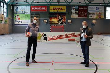 v.l. Frank Schlücking (Vorsitzender SG Menden Sauerland), Günther Nülle (KSB MK)