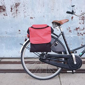 feewerk, Fahrradtaschen, Gepäckträgertaschen, Gepäcktaschen, Satteltaschen, Fahrrad, Hollandrad, rote punkte,