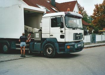 Die erste Garage wird in Weichering abgeholt