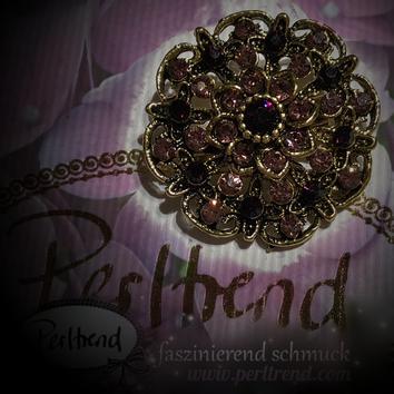 www.perltrend.com Brosche Vintage Violet Garden Flower antik goldfarben violett lila Crystals Trend Brooch Schmuck Jewellery Jewelry Ansteckschmuck Perltrend Luzern Schweiz Onlinesho