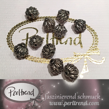 www.perltrend.com Perlen silberfarben Doppelkegel verziert silber antik Metallperle Perle Zwischenteil Luzern Schmuck Schweiz  Perltrend Schmuckverarbeitung basteln