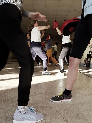 Selbstverteidigung Frauen Mütter Kinder Selbstbewusstsein Mobbing Stalking Overath Bensberg bergisch Gladbach Rösrath Köln Wing tsun Kampfkunst Workshop Kurs Julia Vuong