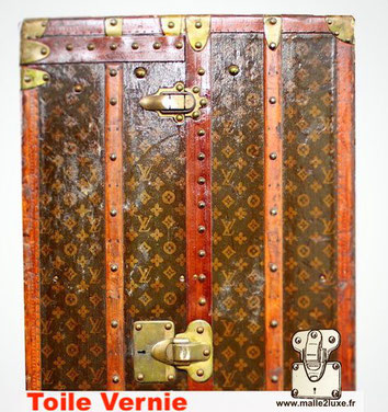 Malle louis vuitton us vernis wardrobe