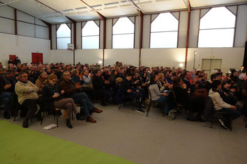 Le public a investi nombreux le gymnase de Condé-en-Brie.