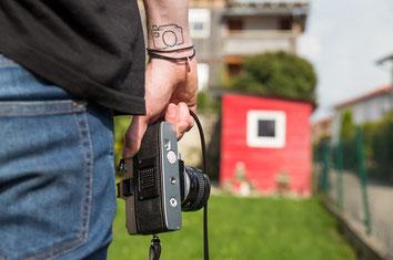 Alte Kamera mit Fototattoo