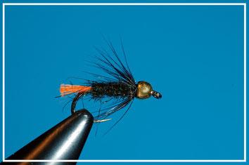 Amo: #16 - #10 Coda : glo brite arancio Corpo: ice dub peacock   Hackle: gallina nera Bead: oro