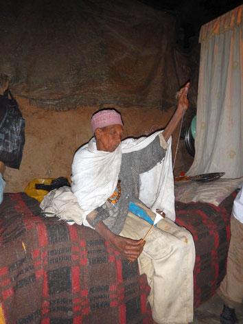 Commerce Solidaire Equitable Tissu Habesha Echarpes Shema Netela Robe couverture draps Vêtements hommes femmes enfants éthiopiens Café Epices Artisanat Ethiopien Made in Ethiopia Mawuli Ethiopie Association Plateforme Solidaire Equitable