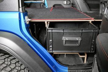 Innenausbau für den Jeep Wrangler JKU: Schneller Zugriff auf's Bergematerial