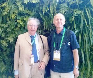 """Prof. Dr. Geoff Dixon, Herausgeber des Buches """"Horticulture: Plants for People and Places"""" zusammen mit Priv.-Doz. Dr. N. Gruda. Dr. David Aldous, Co-Editor des Buches, ist leider einige Monate vor der Veröffentlichung verstorben."""
