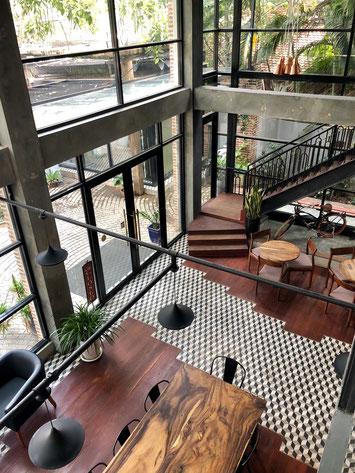 こちらもプノンペンのカフェ。