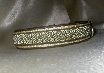 Halsband, Hund, Klickverschluss, 2,5cm breit, Gurtband beige, Borte schwarzgold