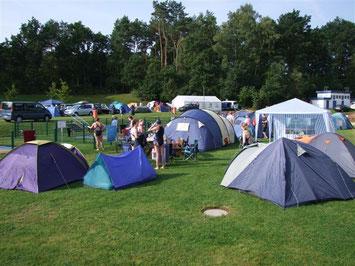 BSC-Turnier 9/2012: Zelten im Heidebad (Foto: Karin Kurschat)