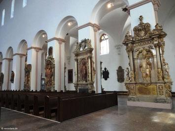 Bischofs-Grabdenkmäler im Langhaus, Kiliansdom, Würzburg