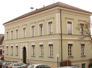 Erste markteigene Schule 1894, heute VG