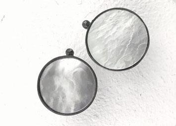 Ohrstecker aus Silber und Perlmutt  von Eva Tesarik
