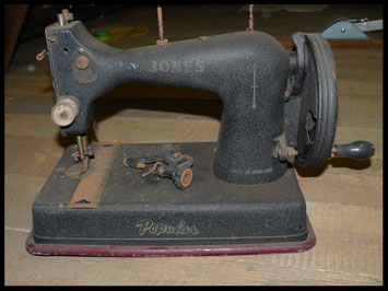 JONES TOY SEWING MACHINE - Mod. POPULAR