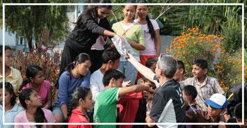 Spendenübergabe-soziales-Engagement-Juergen-Sedlmayr-Nepal55