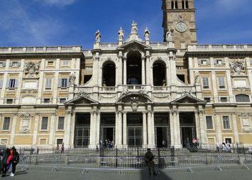 Die Fassade von Santa Maria Maggiore