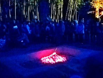 牡丹焚火は桔槹吟社のシンボル的な年中行事