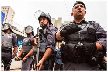 Freie Kanäle für jeden Menschen! Auf dem Blog ppaBerlin.com beleuchtet Ras Adauto die Sicht der sozialen Menschenrechtsbewegungen in Wort und Bild für Follower, aus dem portugisischsprachigen Raum.