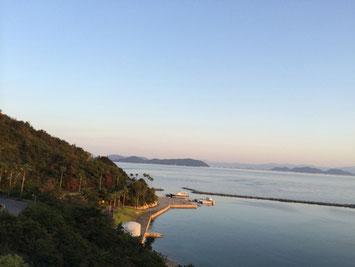 美しい瀬戸内海の夕暮れ