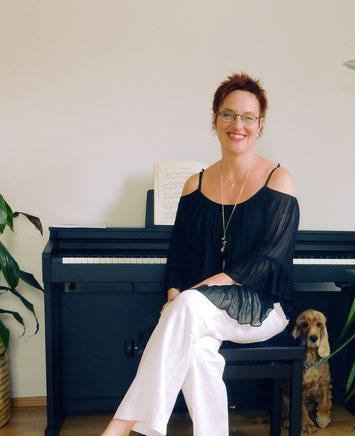 Dr. Maria Abrudan - Pianistin, Organistin, Klavierpädagogin