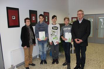 Sieger wurden geehrt. v.l. Petra Gombert, Tom Silas Nordhausen, Moreno Wirkner, Jonas Waldschmidt, Heiko Bickel
