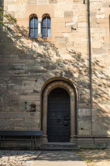 © Traudi - Eingang der Pfalzkapelle
