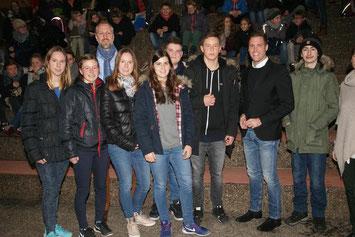 Manuel Hagel (2. von rechts) hat die Realschule Erbach besucht. SZ- (Foto: kurt efinger)