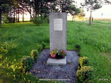 Der Gedenkstein in Rugiswalde